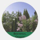 Opinión del cielo del jardín en Beaverton, Oregon Pegatina Redonda