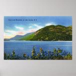Opinión del lago de la montaña del salto de los ci poster