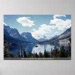 Opinión del lago mountain rocosa, Parque Nacional  Poster