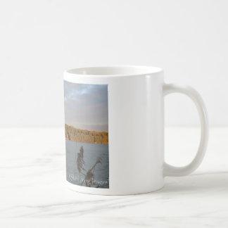Opinión del lago taza de café