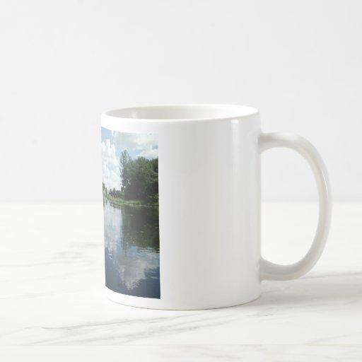 Opinión del lago tazas de café