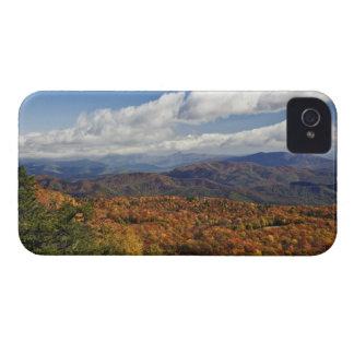Opinión del otoño de montañas apalaches iPhone 4 funda