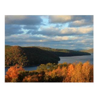 Opinión del otoño de Quabbin a Monadnock Tarjeta Postal