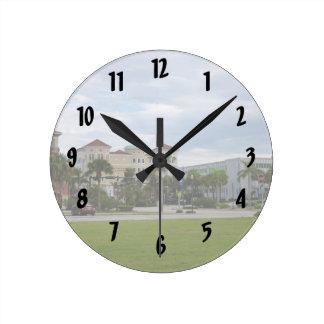 opinión del sur céntrica de Fort Pierce Reloj Redondo Mediano