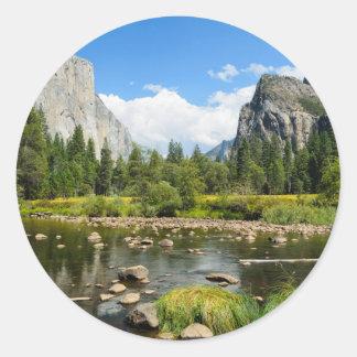 Opinión del valle del parque nacional de Yosemite Pegatina Redonda