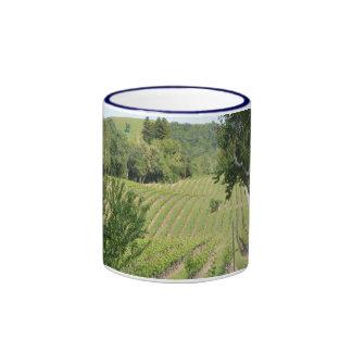 Opinión del viñedo taza a dos colores