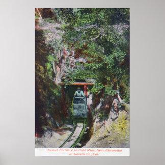 Opinión el minero que sale la entrada del túnel al poster