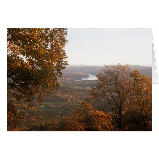 Opinión el río Connecticut del follaje del Monte H Tarjetas