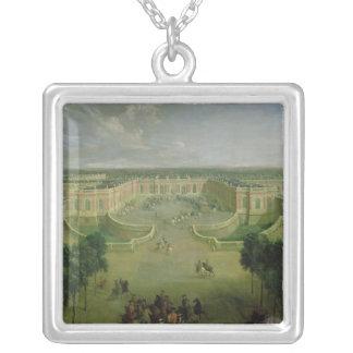 Opinión el Trianon magnífico, 1722 Collar Plateado