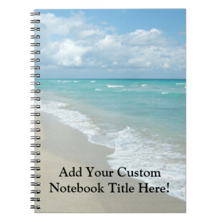 Opinión extrema de la playa de la relajación cuadernos