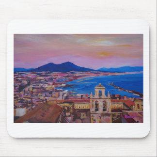 Opinión maravillosa de la ciudad de Nápoles con el Tapete De Raton