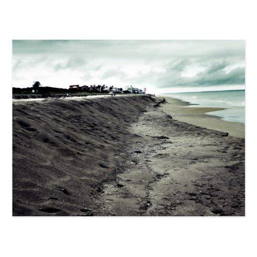 opinión melancólica oscura de la playa tarjeta postal