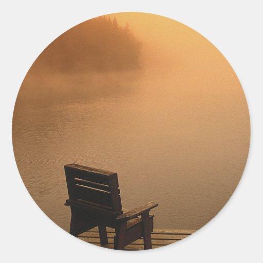 Opinión pacífica del lago pegatina redonda