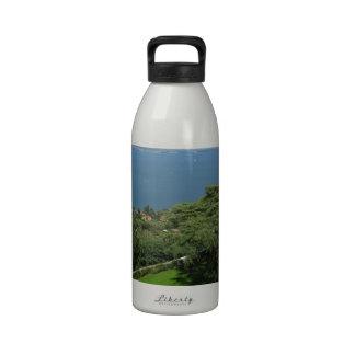 Opinión panorámica de Bracciano del lago Botellas De Agua Reutilizables