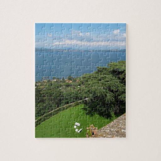 Opinión panorámica de Bracciano del lago Puzzle