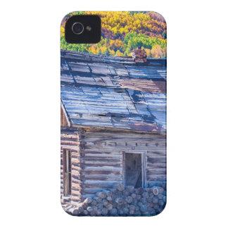 Opinión rústica rural del otoño de la cabina de la Case-Mate iPhone 4 coberturas