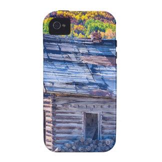 Opinión rústica rural del otoño de la cabina de la iPhone 4 funda