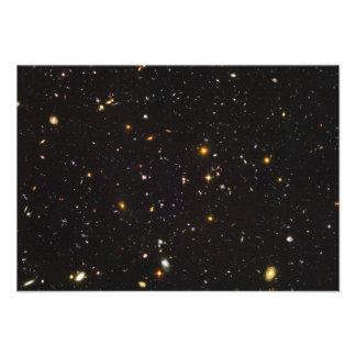 Opinión ultra profunda del campo de Hubble de 10 0 Anuncio Personalizado