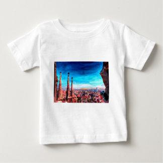 Opinión y Sagrada Familia de la ciudad de T-shirts