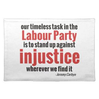 Opóngase contra injusticia mantel
