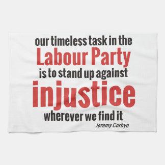Opóngase contra injusticia toalla