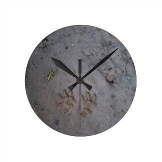 Opossum clock 1