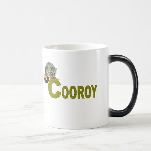 Oposum de Cooroy - letras del verde verde oliva Tazas De Café