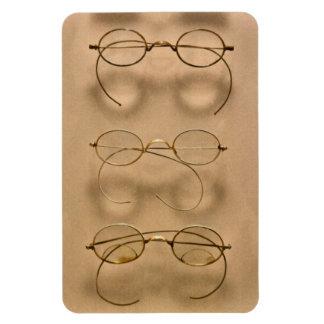 Optometrist - Simple gold frames Magnets