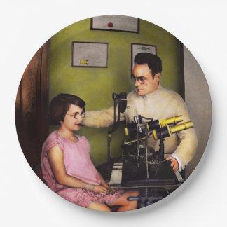 Optometrist - The eye exam 1929 Paper Plate