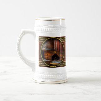 Optometrista - vidrios - trayectorias profesionale taza de café