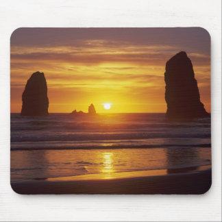 OR, Oregon Coast, Cannon Beach, seastacks at 2 Mouse Pad