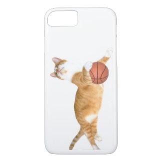 Orange tabby plays basketball iPhone 8/7 case