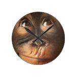 Orangután sonriente de la pintura al óleo del mono reloj de pared