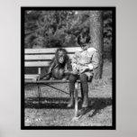 Orangután y muchacho en el parque 1920 poster