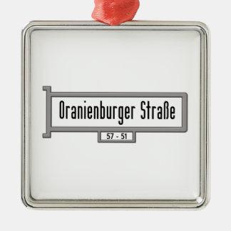 Oranienburger Strasse, placa de calle de Berlín Adorno Cuadrado Plateado