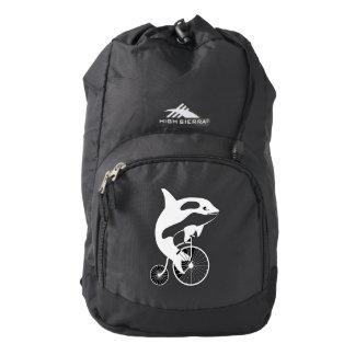 Orca de la orca que monta una bici mochila