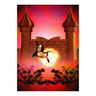 """Orca divertida, de salto en la puesta del sol invitación 5"""" x 7"""""""