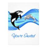 Orca y delfín en las ondas le invitan