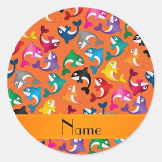Orcas anaranjadas conocidas personalizadas del pegatina redonda
