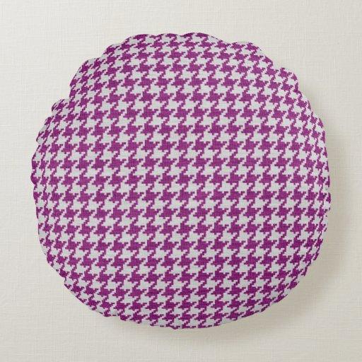 Geometric Cushion Knitting Pattern : Orchid & White Knit Houndstooth Geometric Pattern Round Pillow Zazzle