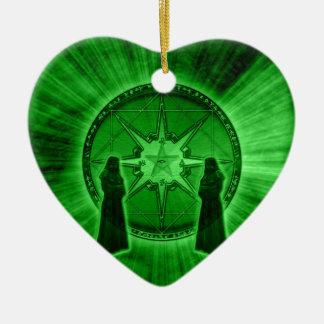 Orden del caos adorno navideño de cerámica en forma de corazón