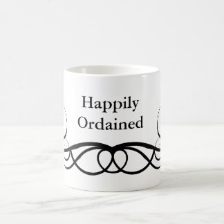 Ordenado feliz taza de café