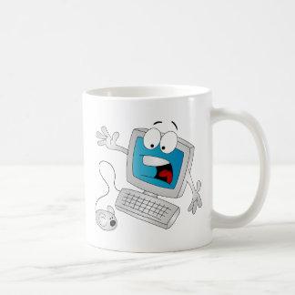 Ordenador asustado tazas de café