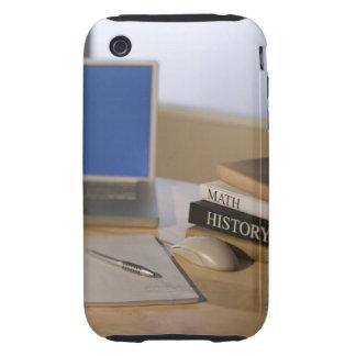 Ordenador portátil y libros de texto tough iPhone 3 protectores