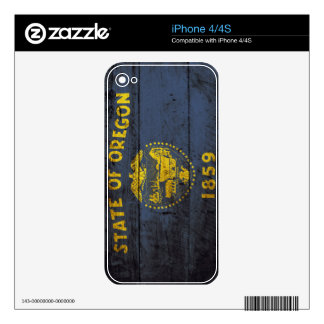 Oregon State Flag on Old Wood Grain iPhone 4 Decal