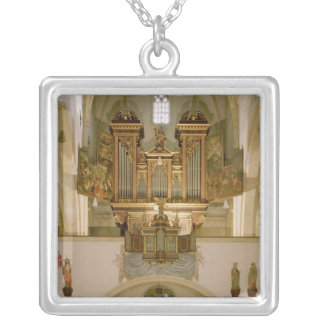 Organ, c.1618 silver plated necklace