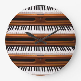 Organ keyboard wall clocks