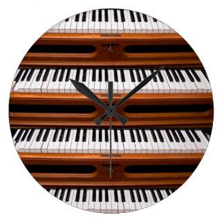 Organ keyboard large clock