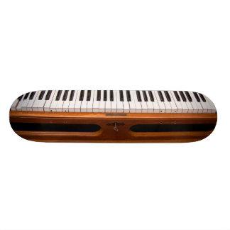 Organ keyboard skateboard