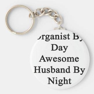 Organista del marido impresionante del día por llavero redondo tipo pin